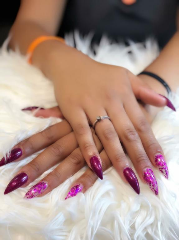 Nail salon near me | Hollywood Nails & Spa | Nail salon in Warwick, RI 02886