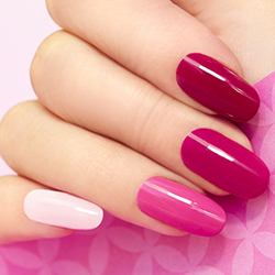 Specializing Pink & White Nails